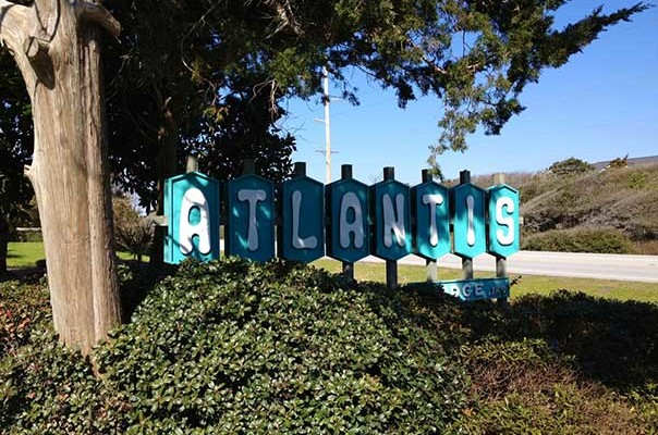Atlantis Lodge Sign